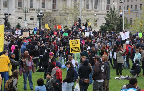 Thousands protest Gray's death at City Hall Rally