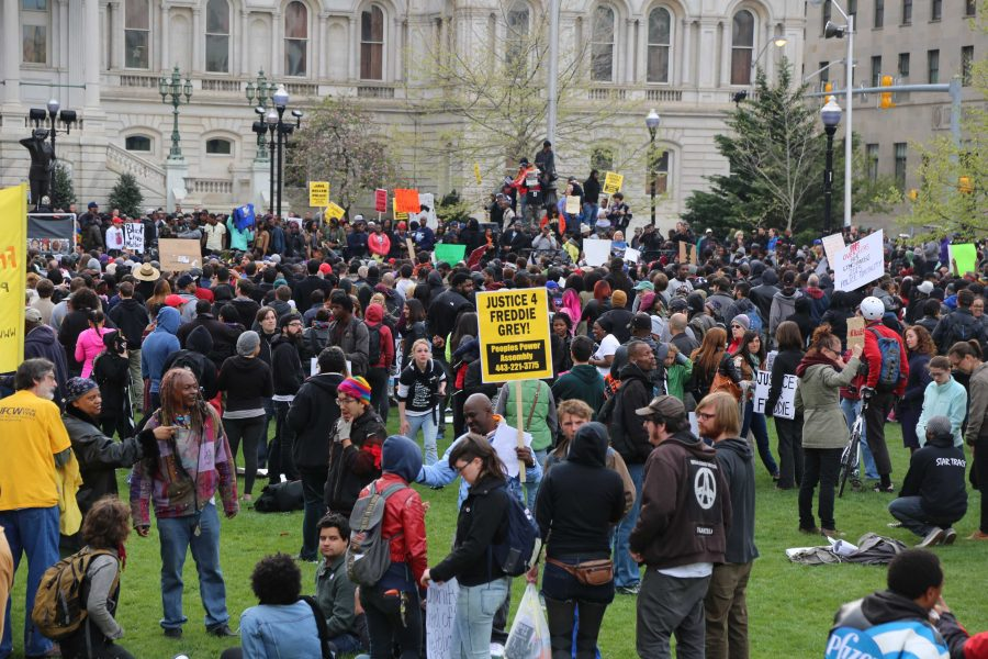 Thousands protest Grays death at City Hall Rally
