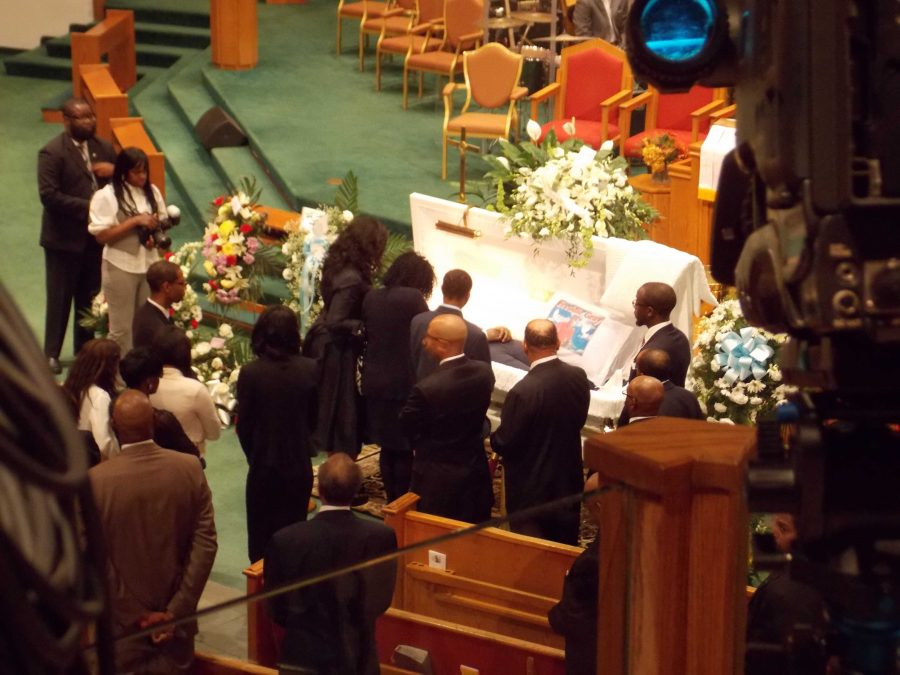 Freddie Grays funeral draws thousands from all over