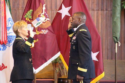 Lieutenant General Patricia Horoho administers Brigadier General Raymond Scott Dingles Oath of Office.