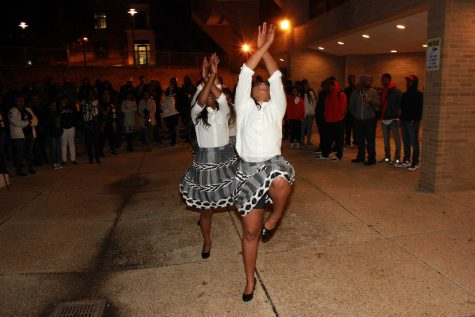 The Swing Phi Swing Spring 2016 probate in the Jenkins Pit. Photo by Terry Wright.