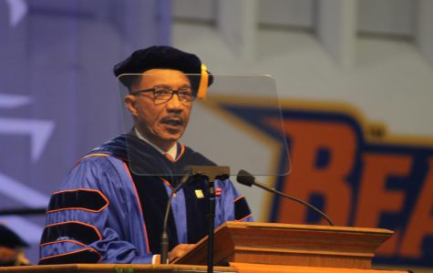 Kweisi Mfume speaks at Morgan's 2019 spring commencement.