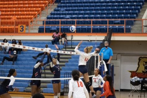 Morgan State senior middle blocker Jasmin Perry is making the most out of her senior season.